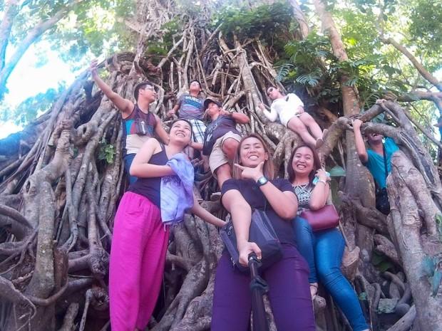 College Friends in Maria Aurora